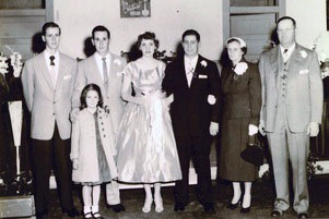 The Wilbanks family at brother Edwin's wedding in 1955